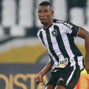 À procura de zagueiros, Internacional observa Kanu, do Botafogo