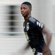 Athletico-PR faz proposta por 60% de Matheus Babi, do Botafogo, e tem 'fator Autuori': 'Possibilidade boa'