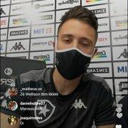 Em resenha com a torcida, Matheus Frizzo zoa Ronald e elege os mais feios do Botafogo