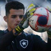 Botafogo contrata goleiro de 1,96m de altura ex-Flamengo e Vasco para o sub-20