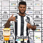 Rafael Carioca é apresentado pelo Botafogo, lembra Nilton Santos e espera repetir atuações com Chamusca