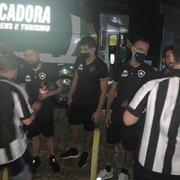 Torcida do Botafogo em Natal pede apuração da diretoria por supostos gestos obscenos de Felipe Ferreira
