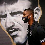 Kanu cresce, vira líder e capitão no Botafogo: 'Quero fazer clube voltar a sorrir'