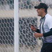 Chamusca descarta reintegrar sexteto afastado no Botafogo: 'Fora dos planos'