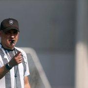 Chamusca nega interferências externas no Botafogo e trata saída de Altamiro como normal: 'Excelente profissional'