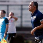 Chamusca admite necessidade de evolução no ataque do Botafogo: 'Ter mais ambição, ser mais assertivo'