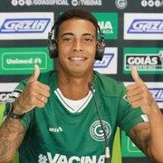 (OFF) Ex-alvo do Botafogo, Alef Manga comete gafe em chegada ao Goiás: 'Ir bem para sair para um clube grande'
