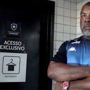 Segurança Ivan se despede do Botafogo após 26 anos de serviços prestados ao clube