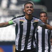 Botafogo confirma conversas por renovação de Juninho: 'Adora o clube'