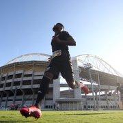 Ex-Botafogo, Rafael Carioca não se apresenta no horário para exames e Chapecoense desiste da contratação
