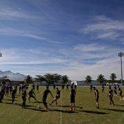 Contratar ou apostar na base? Após saídas, Botafogo precisa preencher lacunas