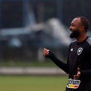 Após cumprir suspensão, Chay viaja e se junta ao elenco do Botafogo para jogo com CRB