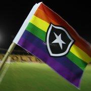 Chamusca elogia campanha #AmorÉAmor do Botafogo: 'Respeito à igualdade é fundamental'