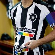 Botafogo inicia leilão de camisas usadas contra o Vitória em prol de projeto que acolhe pessoas LGBTQIA+