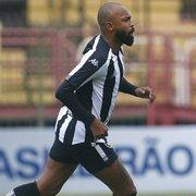 Pitacos: por que Chay tem que ser substituído em todo jogo do Botafogo?