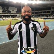Botafogo prioriza compra de Chay e 'pausa' novas contratações
