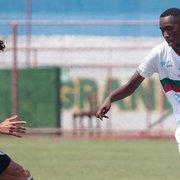 Base: Botafogo contrata Juan Mello, lateral de 19 anos da Portuguesa