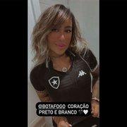 Rafaella Santos, irmã de Neymar, posta foto com nova camisa do Botafogo: 'Coração preto e branco'