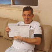 Após se emocionar com homenagem do Botafogo, repórter vence Covid-19; veja vídeos