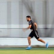 Sem cair nas graças da torcida, Marcinho deixa o Botafogo, que alivia folha salarial