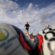 Botafogo tem mercado mapeado, mas aguarda para fazer proposta por zagueiro