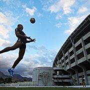 Botafogo terá Kanu como única novidade para enfrentar o Vasco; confira a escalação