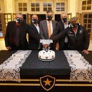 Em prol de ex-atletas, Botafogo lança Instituto O Glorioso em cerimônia em General Severiano