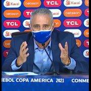 Tite detona gramado do Nilton Santos e implora à Copa América: 'Encontrem um campo melhor. Está perigoso, pode machucar'