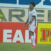 Warley é absolvido pelo STJD por expulsão contra o Confiança e está liberado para atuar pelo Botafogo