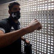 Botafogo diminui 'dor de cabeça' na lateral direita e pode ganhar reforço importante