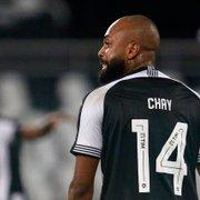 Botafogo entra em acordo com a Portuguesa e conversa com Chay para sacramentar renovação