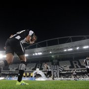 Comentarista destaca remontagem do Botafogo no meio da temporada: 'Dá pequenos sinais de que vai conseguir'