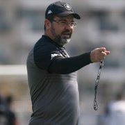 Com volta de Enderson Moreira, Botafogo encara o líder Coritiba pela Série B