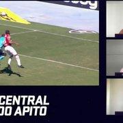 Ué, VAR? Pênalti igual ao não dado para o Botafogo é marcado para o Fluminense; compare lances