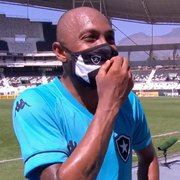 Torcida do Flamengo resgata fotos antigas de Chay, do Botafogo, e vira alvo de piadas na internet