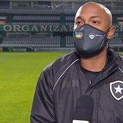 Chay celebra vitória do Botafogo em 'jogo de seis pontos' contra o Coritiba: 'Tem que comemorar'