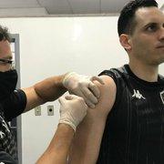 Botafogo realiza vacinação para prevenção de infecção pelo vírus Influenza (gripe) em atletas e funcionários