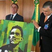 Botafogo S/A: Durcesio Mello presenteia Bolsonaro e agradece 'apoio incondicional' por clube-empresa