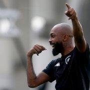 Chay abre o jogo sobre trajetória até o sucesso no Botafogo e revela história que quase interrompeu carreira