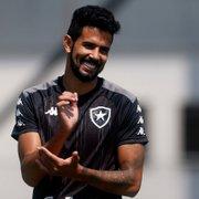 Jonathan Lemos volta com atuações sólidas e coloca dúvida em Enderson na lateral do Botafogo
