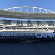 Botafogo atualiza identidade visual nos bancos de reservas do Nilton Santos com novo plano Camisa 7