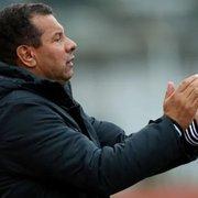 Celso Roth elogia Enderson Moreira e torce por acesso: 'Gosto muito do Botafogo'