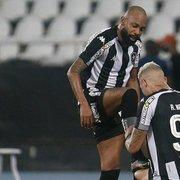 Chay serve Rafael Navarro pela quarta vez e comemora: 'Feliz em ajudar o Botafogo'