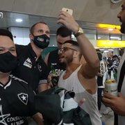 Botafogo é outro até na forma de tratar a torcida fora do Rio. Chay vibrou!
