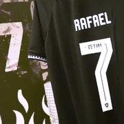 Botafogo inicia venda de camisas 7 personalizadas com nome de Rafael