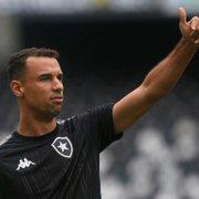 Botafogo: Gilvan tem pequena fratura no nariz e terá que usar proteção