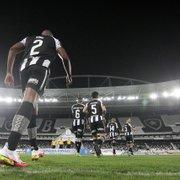Comentarista vê próximos quatro jogos fora como cruciais para o Botafogo: 'Se trocar pontos nessas partidas, é postulante ao título'