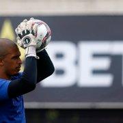 Após liberação para acompanhar nascimento da filha, Diego Loureiro treina e volta a ser opção no Botafogo