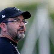 Enderson Moreira exalta departamento médico e comemora opções no elenco do Botafogo
