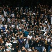 Gritos de 'fica' para Navarro mostram que simbiose entre Botafogo e torcida vive seu melhor momento